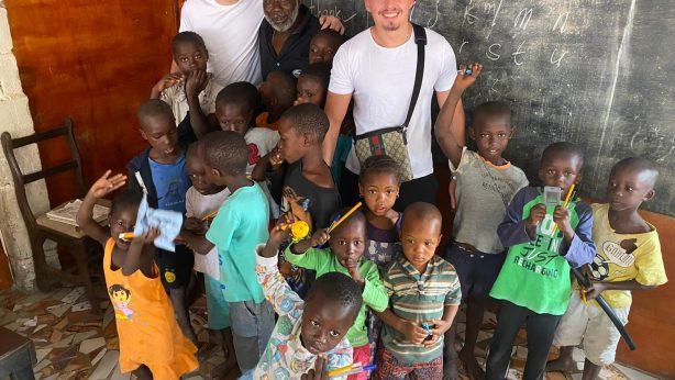 Schulen für Gambia